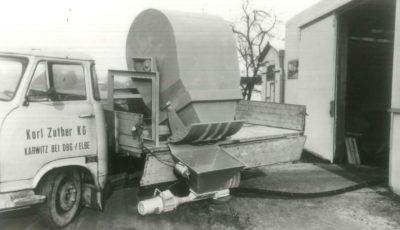 Firmengeschichte Maschine zur Gossenentstaubung derZuther GmbH