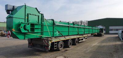 Grünes Becherwerk mit Kette von der Firma Zuther.