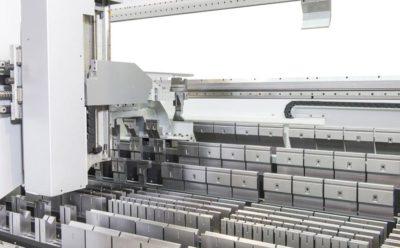 Lohnfertigung bei Zuther toolcell Maschine