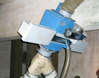 Verbauter LKW Rohrprobennehmer für Getreide von Zuther in der Anwendung