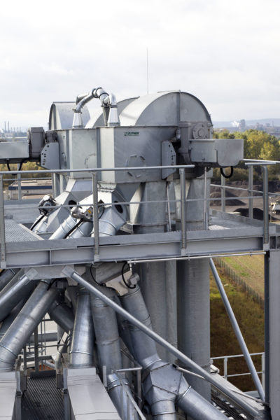 A Zuther folding box in action at a silo grain plant for bulk material