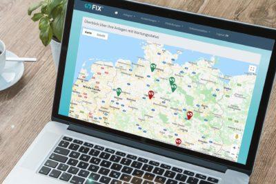 Laptop mit Übersicht standortübergreifende Transparenz über Ihr Anlage mit sFIX Wartungssoftware
